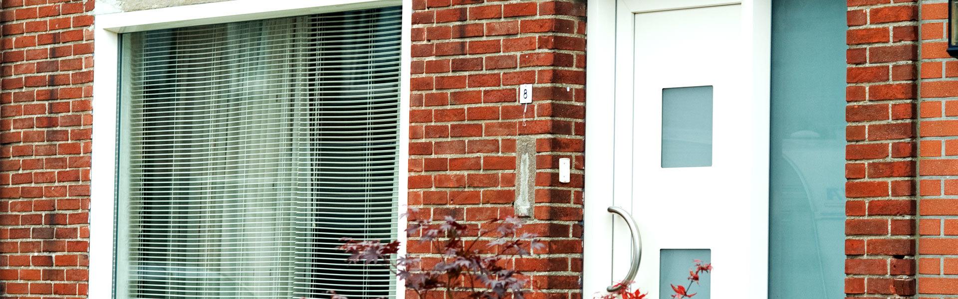 Nieuwe authentieke pvc voordeur